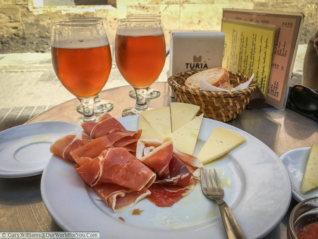 A lunch at Café Museu, Valencia, Spain