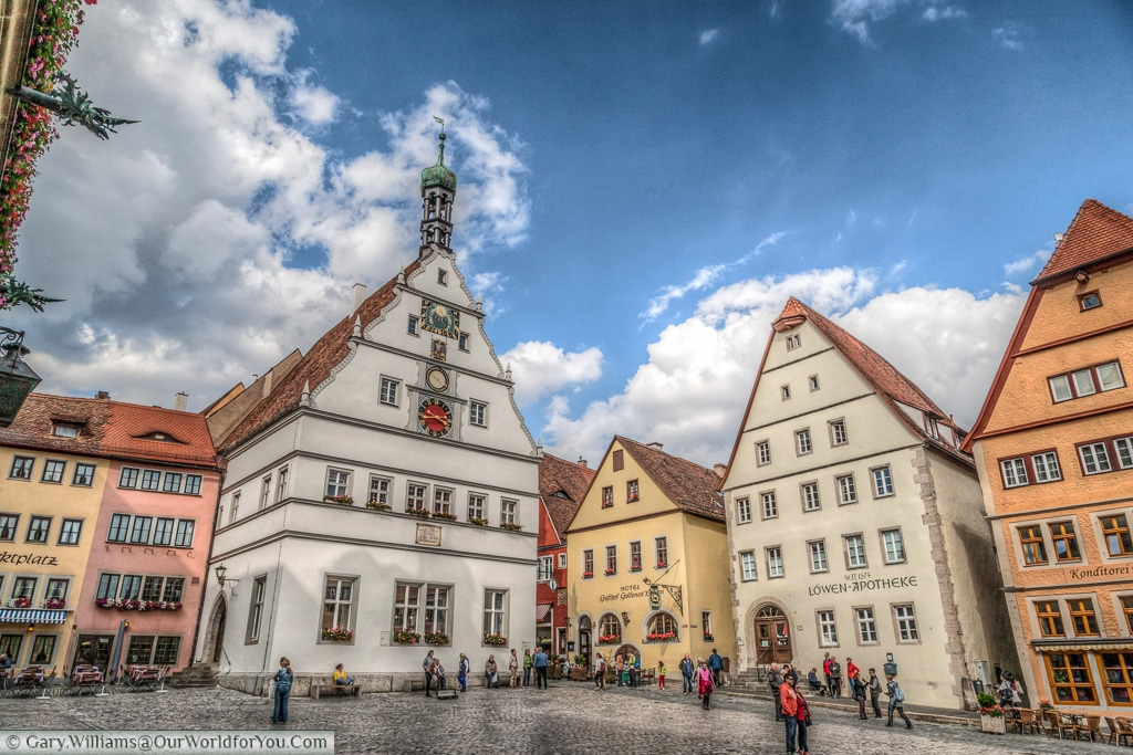 Marktplatz and Ratstrinkstube, Rothenburg ob der Tauber, Bavaria, Germany