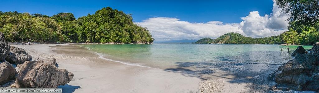 A full view of Playa Biesanz, Manuel Antonio, Costa Rica