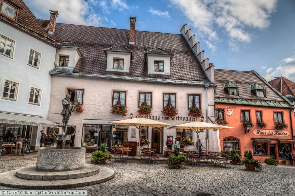 Restaurants in the old town, Füssen, Bavaria, Germany