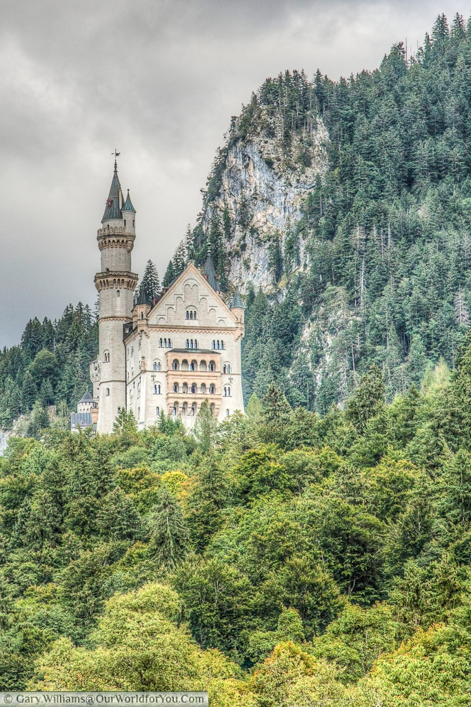 The fairytale casle of Schloss Neuschwanstein, Hohenschwangau, Bavaria, Germany