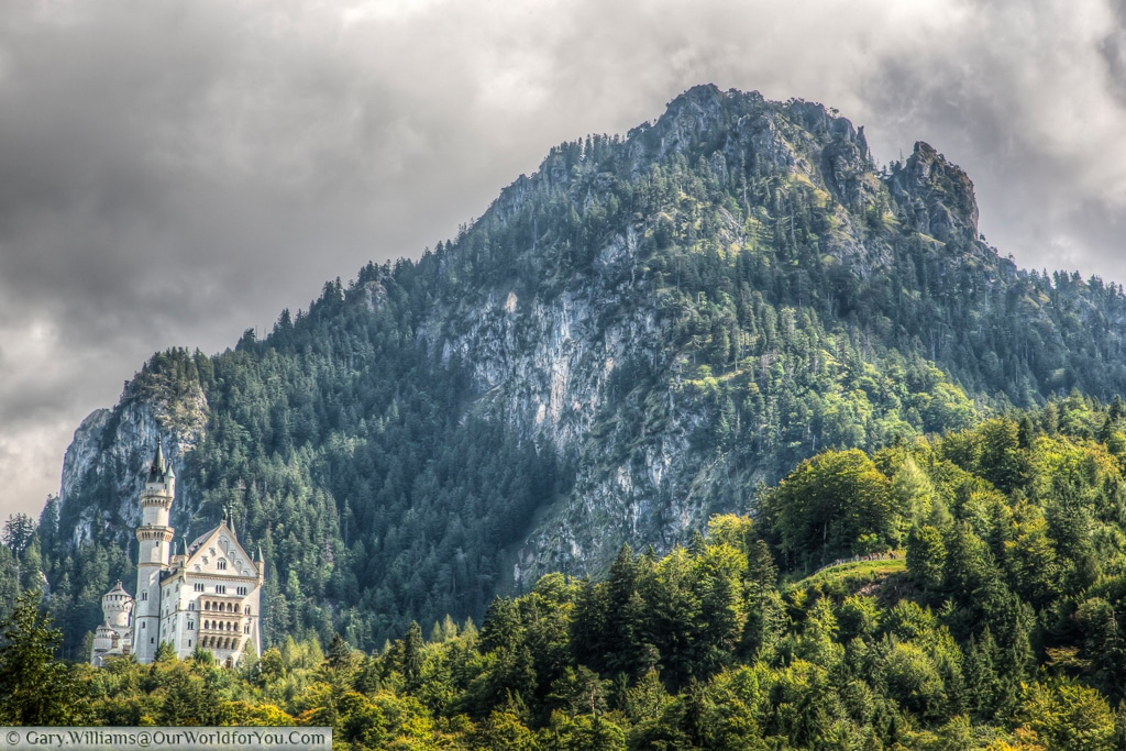 Schloss Neuschwanstein nestled in the mountains, Hohenschwangau, Bavaria, Germany