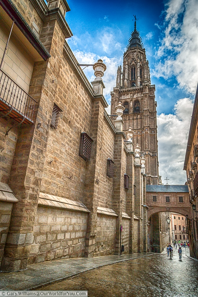 The lane to the Cathedral, Toledo, Spain