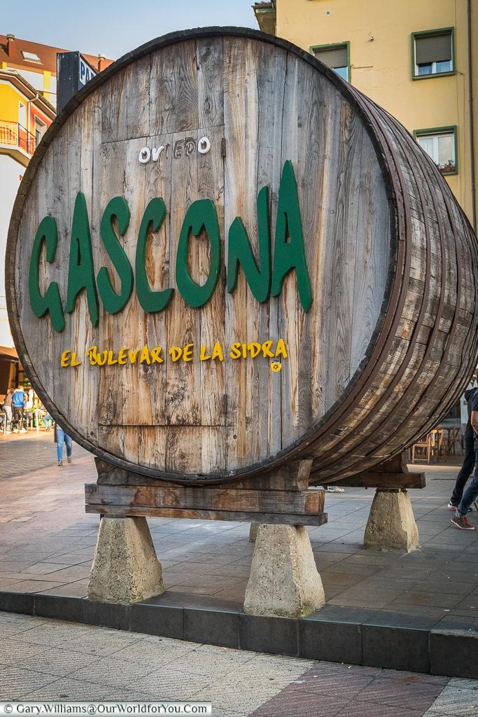 Cider barrel, Calle Gascona, Oviedo, Spain