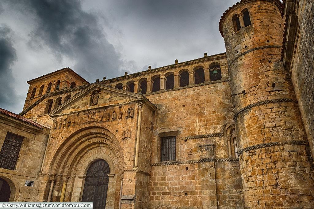 Colegiata de Santa Juliana, Santillana del Mar, Cantabria, Spain