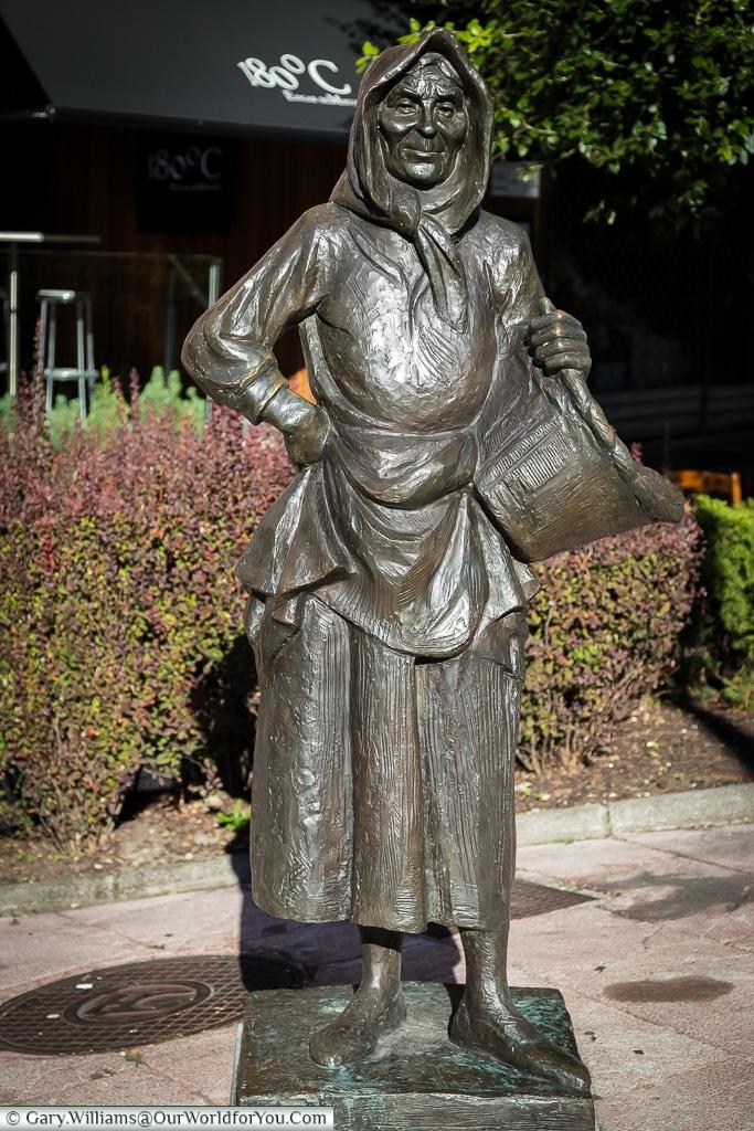 La Gitana or The Gypsy statue, Oviedo, Spain