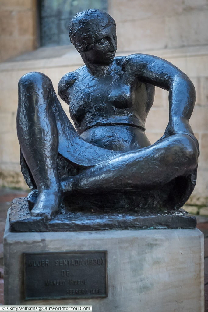 Mujer Sentada, Oviedo, Spain