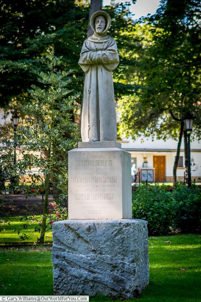 Statue of San Francisco de Asis, Oviedo, Spain