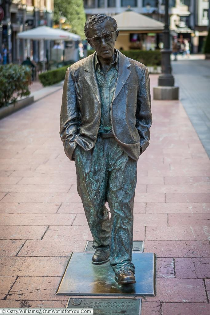 Woody Allen Statue, Oviedo, Spain