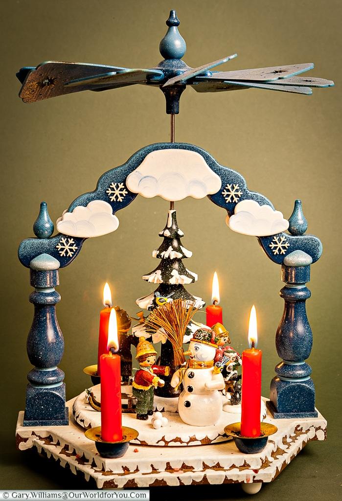 A Christmas Pyramid, Kathe Wohlfarht
