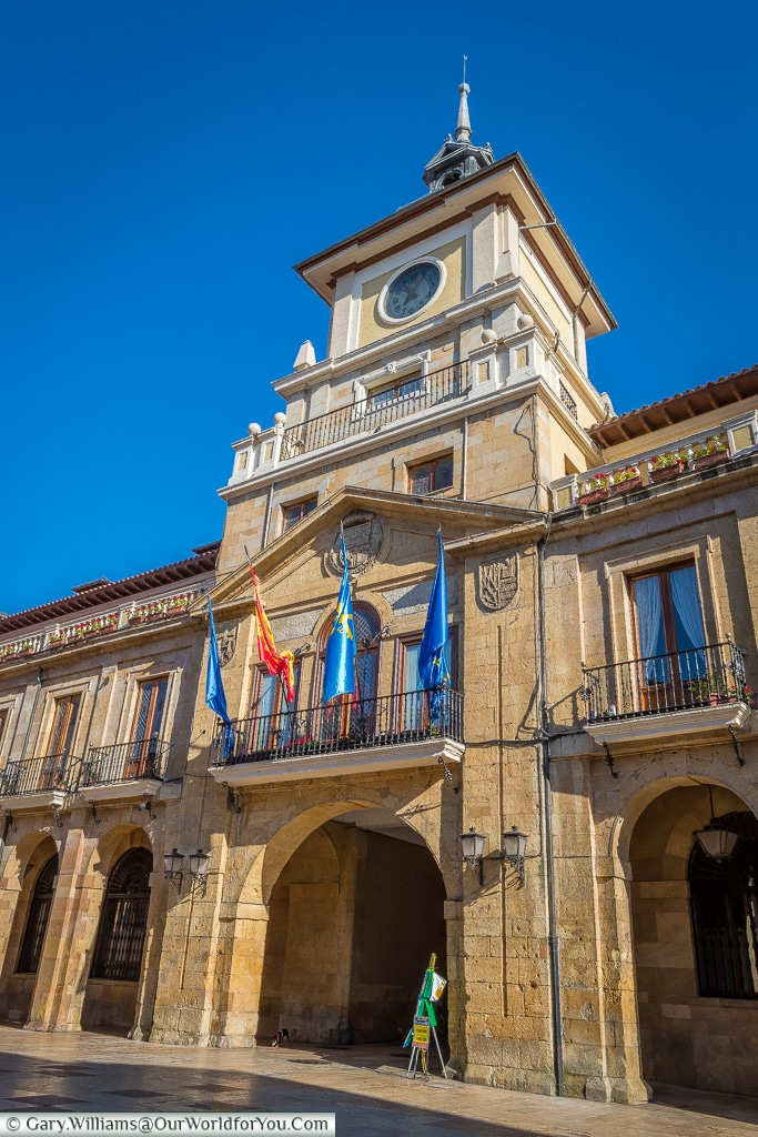 Cityhall tower, Oviedo, Spain