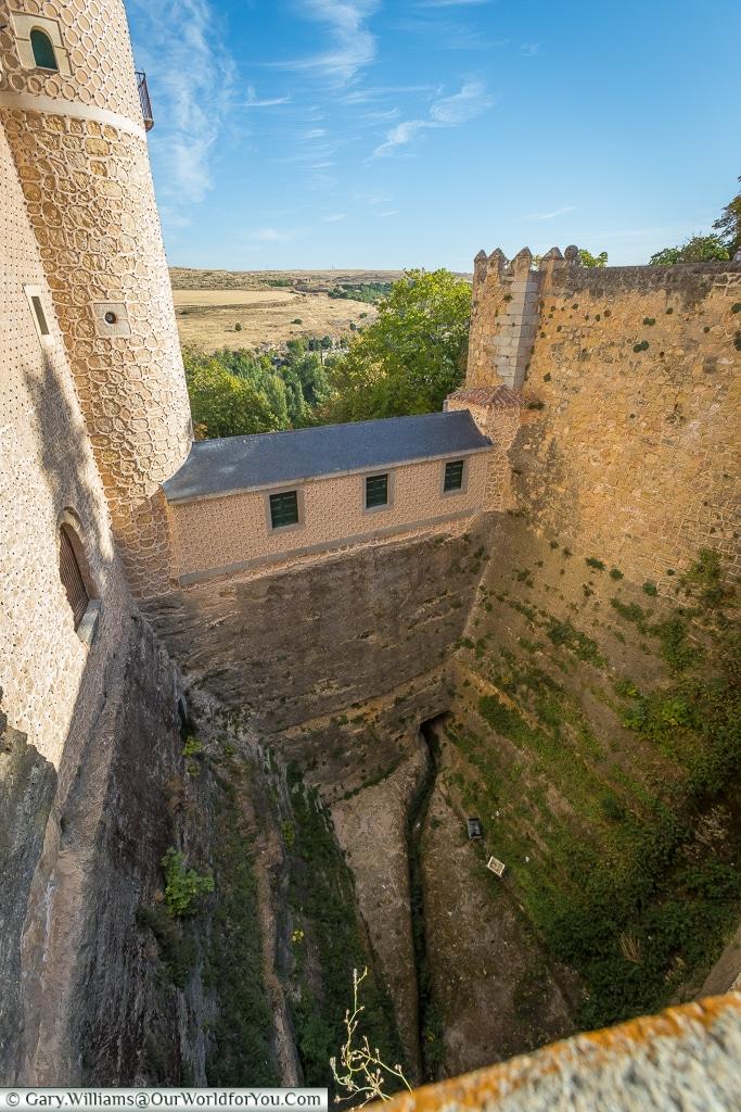 The drop around the Alcázar, Segovia, Spain