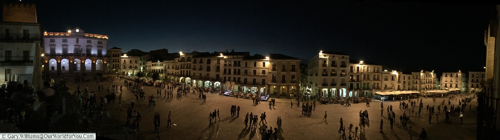 A panoramic shot of the Plaza Mayor, Cáceres, Spain