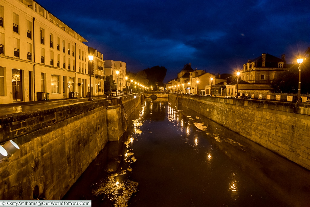 Canal Saint-Martin at night, Châlons-en-Champagne, France