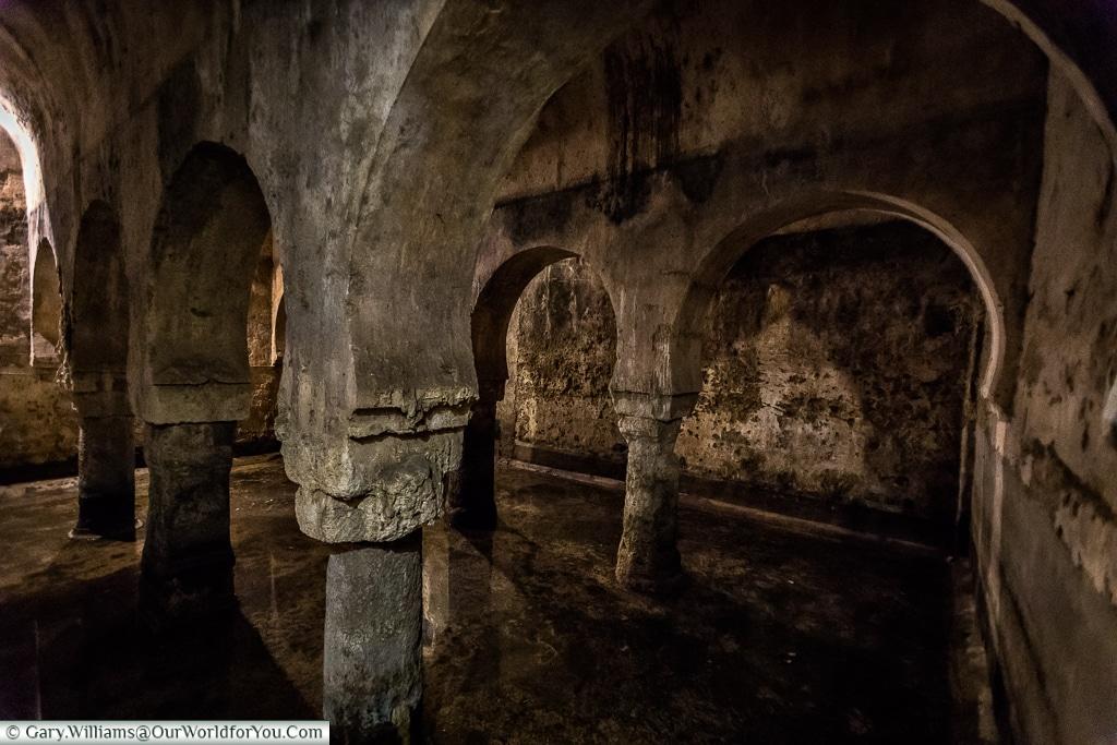Inside the cistern, Cáceres, Spain