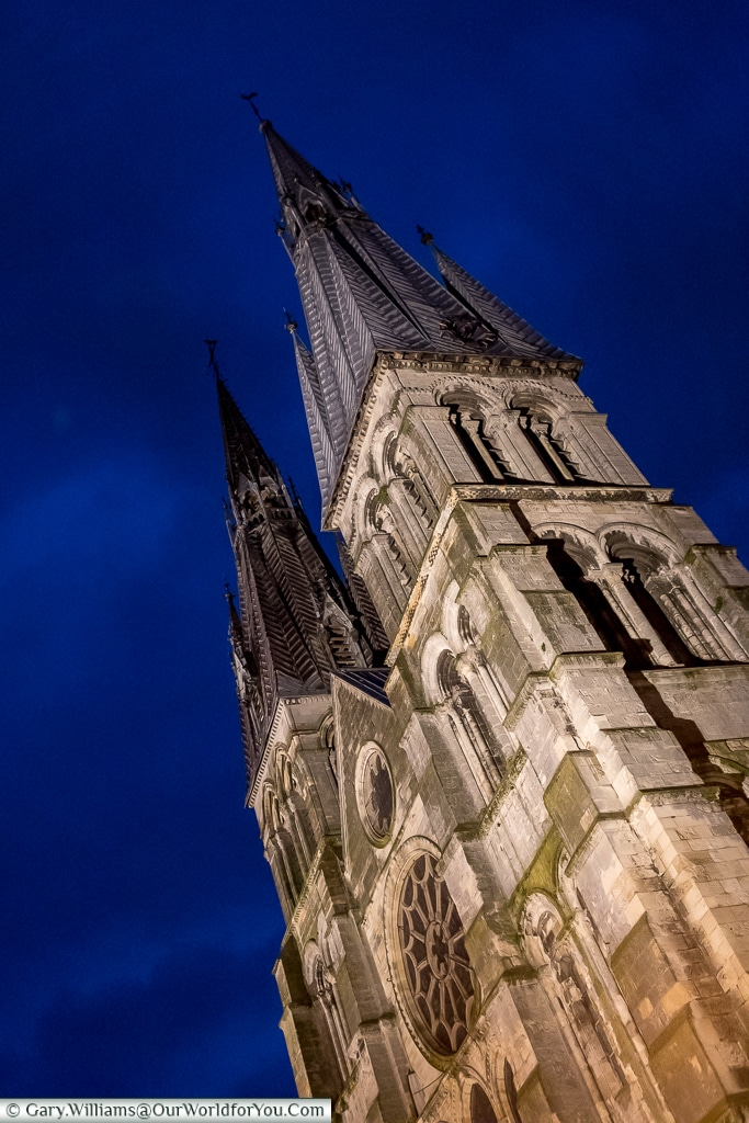 Notre-Dame-en-Vaux at night, Châlons-en-Champagne, France