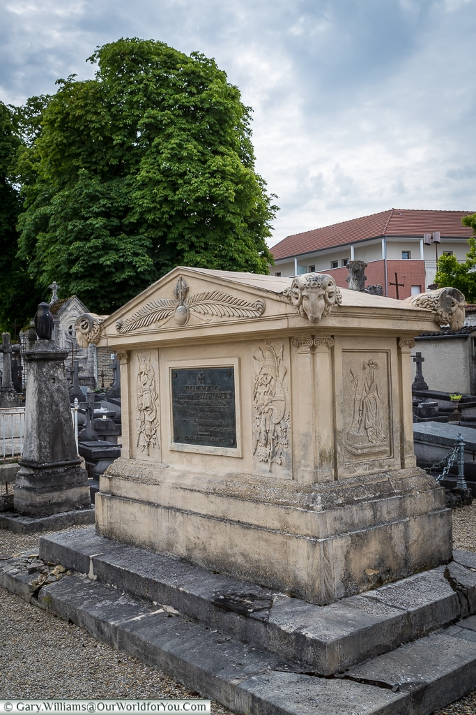 The tomb of Alexander Brzostowski, Count of Prussia in the Cimetière de l'Ouest, Châlons-en-Champagne, France