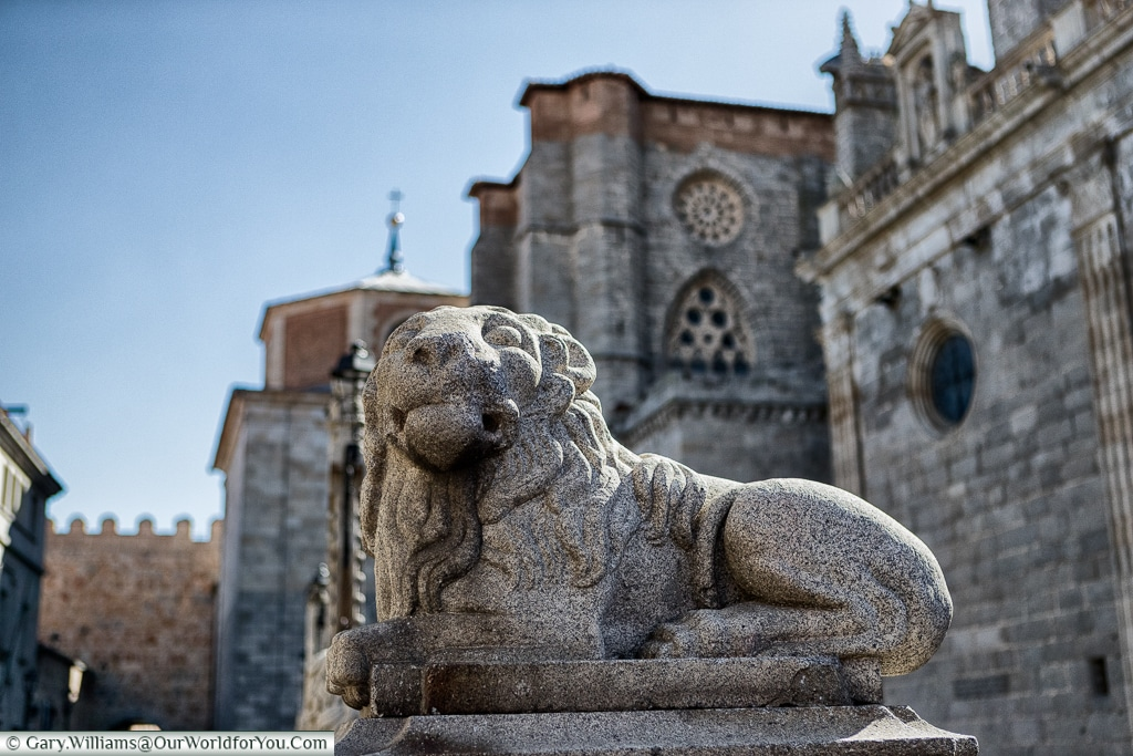 The lion outside the Catedral de Ávila, Spain